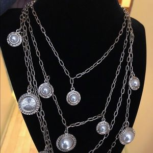 Ann Taylor 4 row faux pearl and gold necklace